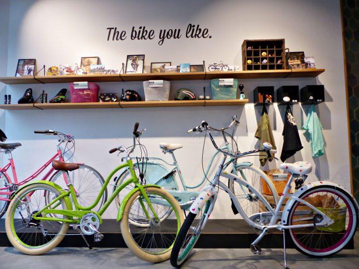 """Im """"Electra""""-Store können Fahrräder aus Kalifornien erworben werden. Foto: Constanze Lerch"""