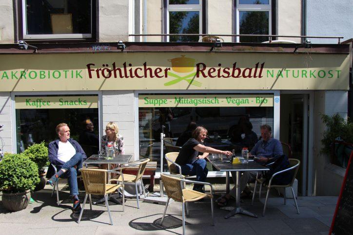 Fröhlicher Reisball. Foto: Max Gilbert