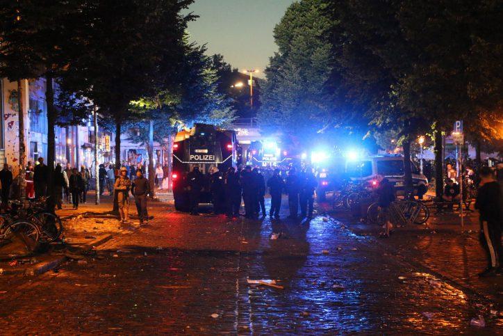 G20-Newsblog: Polizei räumt das Schulterblatt (8.7.2017)