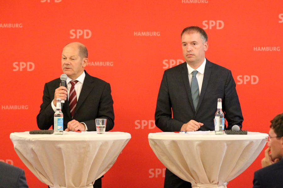 Olaf Scholz: Merkel hätte die Messehallen auch mieten können