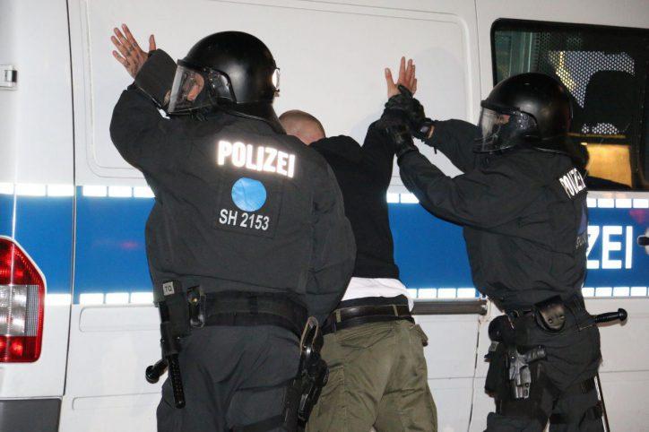 Nach G20-Demorave: Polizei nimmt mehrere Verdächtige fest