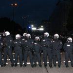 """Bei der """"hedonistischen Massencornern"""" protestierten am Abend tausende Hamburger in der Schanze gegen den G20-Gipfel. Dann rückte die Polizei auf. Foto: Niklas Heiden"""