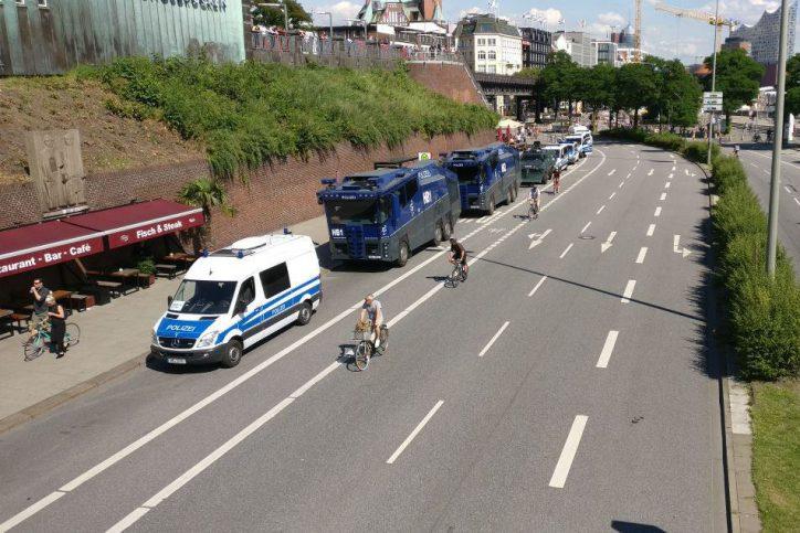Landungsbrücken, Hafen, Hamburg, G20-Gipfel, Polizei Hamburg, Polizei