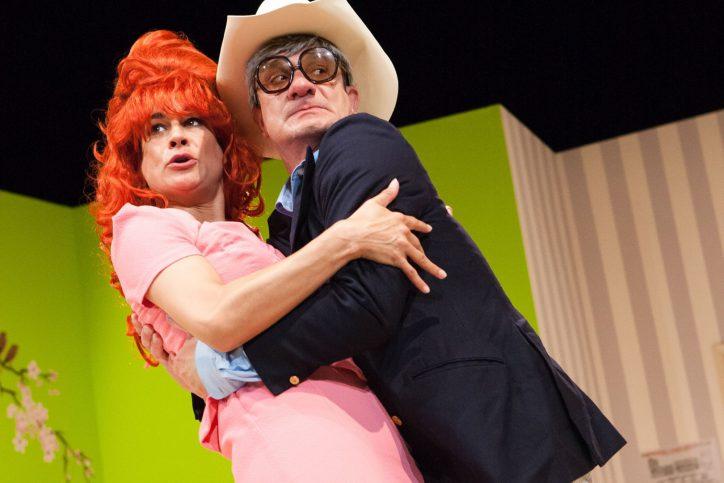 """""""Tour de Farce"""" in den Hamburger Kammerspielen: Miss Hill, fertig zum Diktat?"""