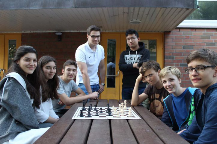 Erste Jugendmannschaft - Weisse Dame Schach 2. Platz Deutsche Meisterschaften
