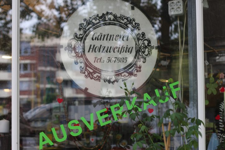 Ausverkauf in der Gärtnerei Holzweißig. Foto: Phillip Holländer