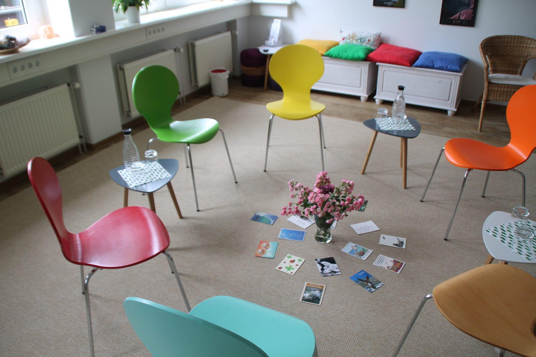 Stuhlkreis. Foto: Systemische Praxengemeinschaft