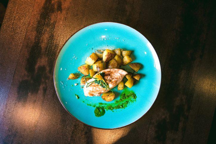 Gericht aus dem Helo Restaurant. Foto: Alex Povel