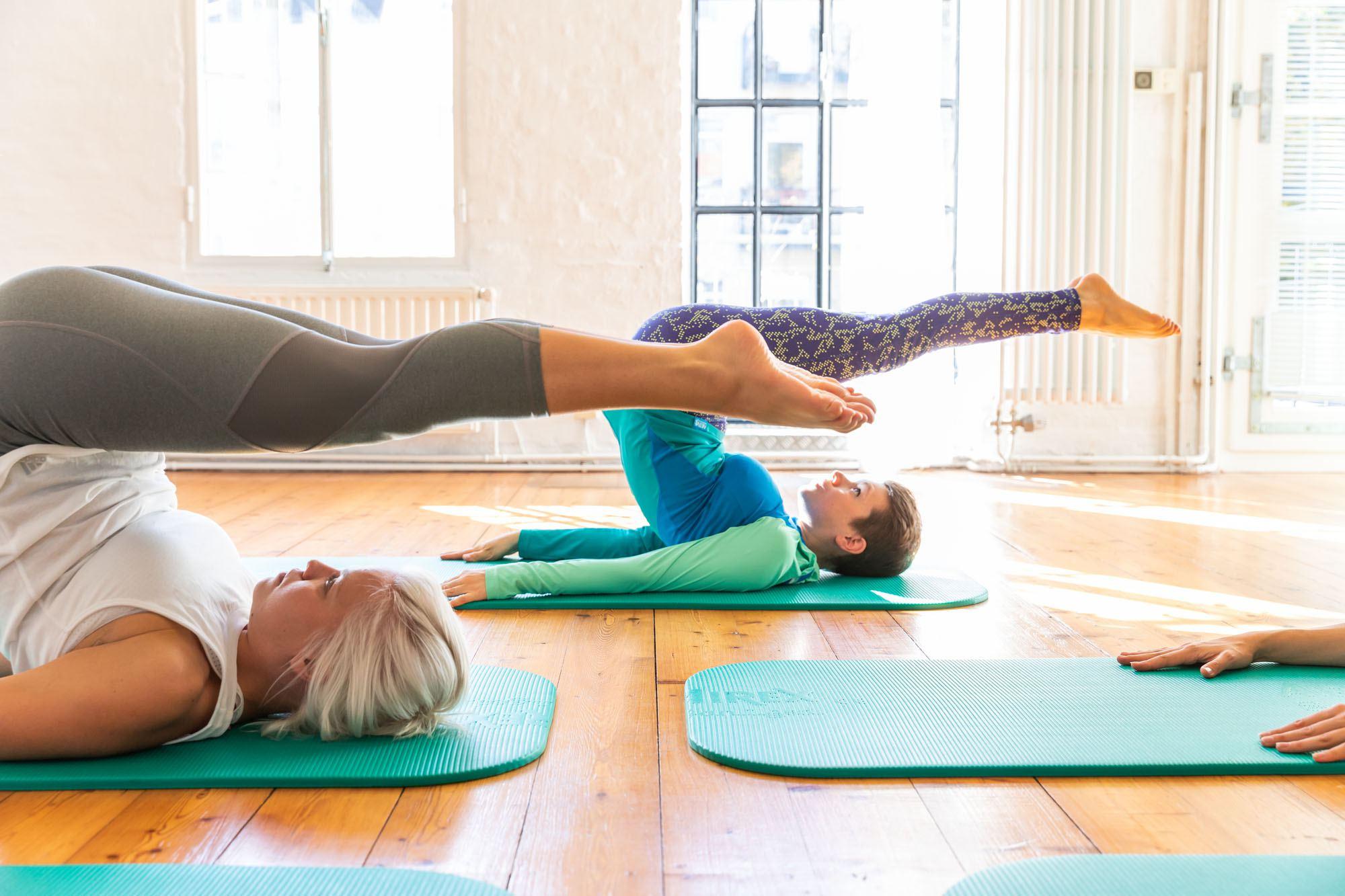 Bei Pure Balance gibt es Mattentraining, Pilates für Schwangere und Mütter mit Kind, die Faszienkurse und verschiedene Workshops. Foto: Pure Balance