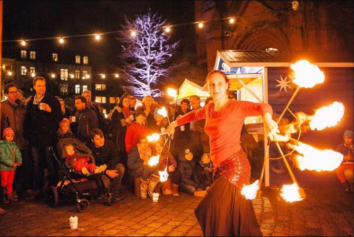 Weihnachtsmarkt Apostelkirche