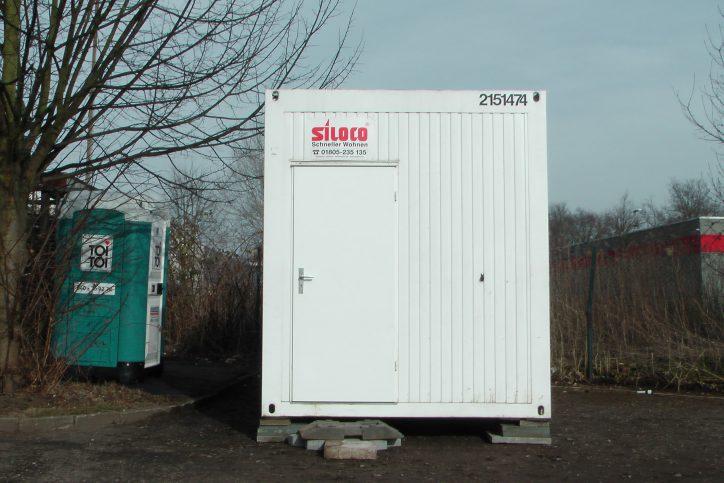 Neuer Wohncontainer für Obdachlose in Niendorf
