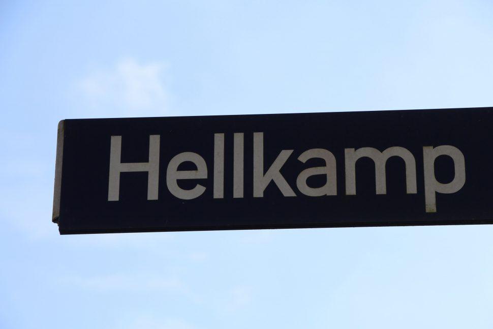 Straßenschild Hellkamp. Foto: Vanessa Leitschuh