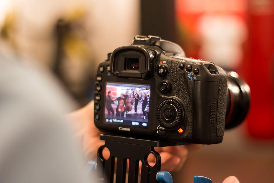 Fotoworkshop bei den Eimsbütteler Nachrichten. Foto: Alex Povel.
