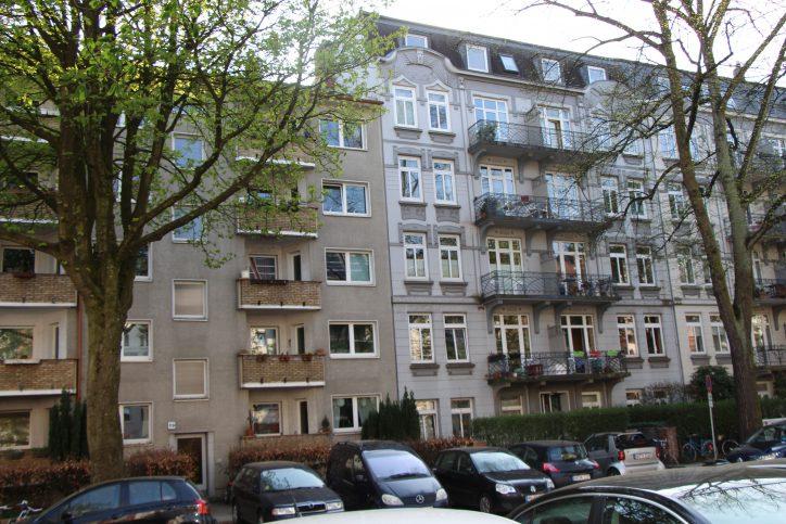 Nicht alle Bauten in der Mansteinstraße passen in das Jugendstilbild. Foto: Robin Eberhardt