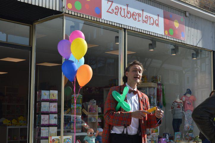 Hamburg Eimsbuettel Neueröffnung Zauberland Clown. Foto: Margarita Ilieva