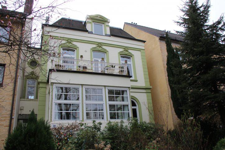 Eine alte Stadtvilla in der Tornquiststraße. Foto: Robin Eberhardt