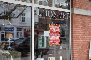 """Der Kleinmöbel- und Wohnaccessoires-Laden """"Lebenswohnart"""" schließt die Filiale in der Osterstraße. Foto: Margarita Ilieva"""