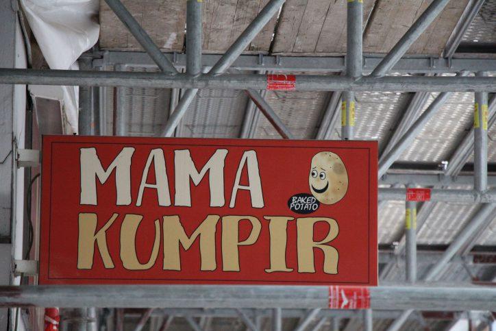 Ofenkartoffeln in allen Variationen bietet das mama Kumpir. Foto: Robin Eberhardt