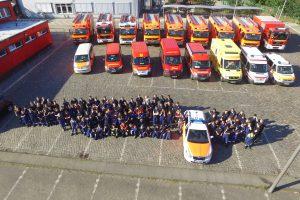 Alle Beteiligten und Fahrzeuge nach dem Ausbildungswochenende. Foto: Jörg Eckloff