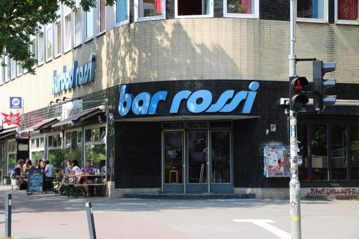 """Die """"Bar Rossi"""" ist eine Eimsbütteler Legende. Nach 20 Jahren heißt es """"Aus"""" für das Kultlokal. Foto: Vanessa Leitschuh"""