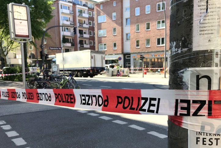 Gegen zehn Uhr war die Unfallstelle noch abgesperrt. Foto: Eimsbütteler Nachrichten