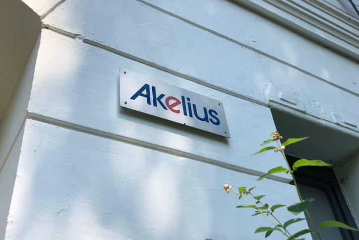 Dem Immobilienunternehmen Akelius gehört das Haus in der Eichenstraße. Foto: Max Gilbert