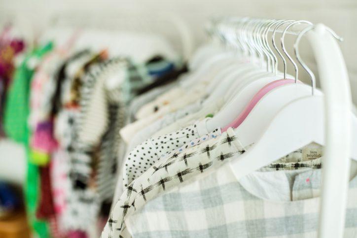 Ausgesuchte Kinderkleidung aus zweiter Hand für Kinder jeden Alters. Foto: Oh dear Hamburg