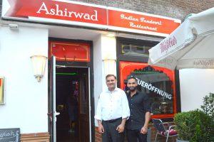 Die Leidenschaft zur Gastronomie hat Ramesh und Gaurav Sharma aus Nordindien nach Eimsbüttel gebracht. Foto: Margarita Ilieva