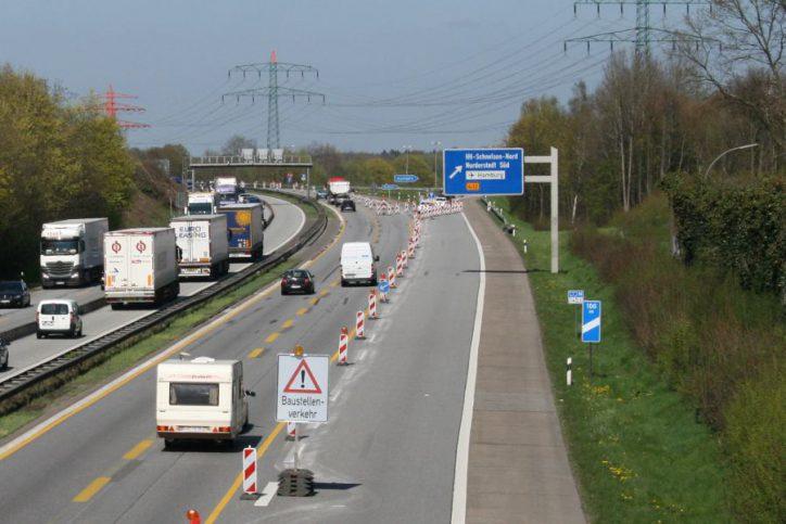 Sperrung der Autobahnauffahrt Schnelsen