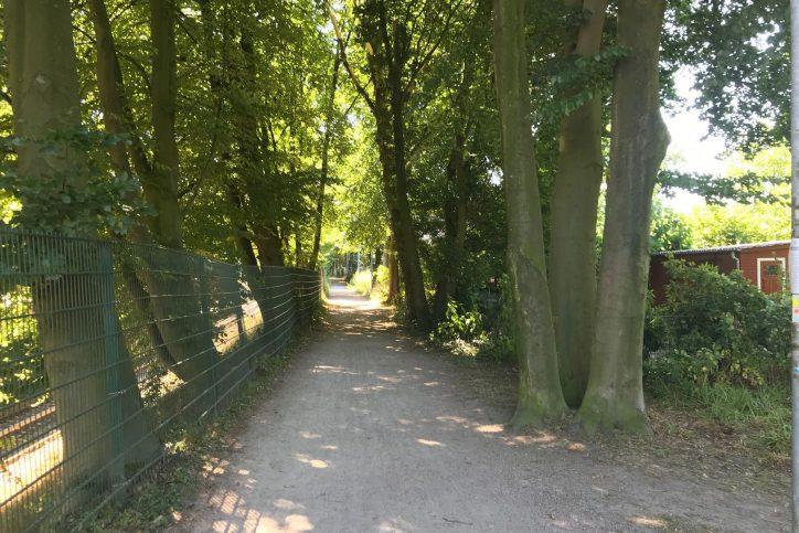 Am Dienstag kam es zu einem seuellen Übergriff auf eine 13-Jährige in der Kleingartenkolonie an der Hagenbeckstraße. Foto: Fabian Hennig