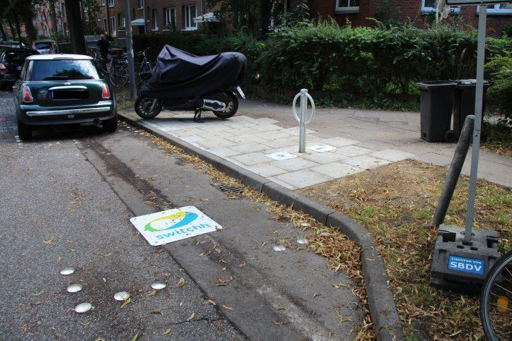 """In der Sillemstraße wurde ein neuer """"switchh""""-Punkt eingerichtet. Foto: Robin Eberhardt"""