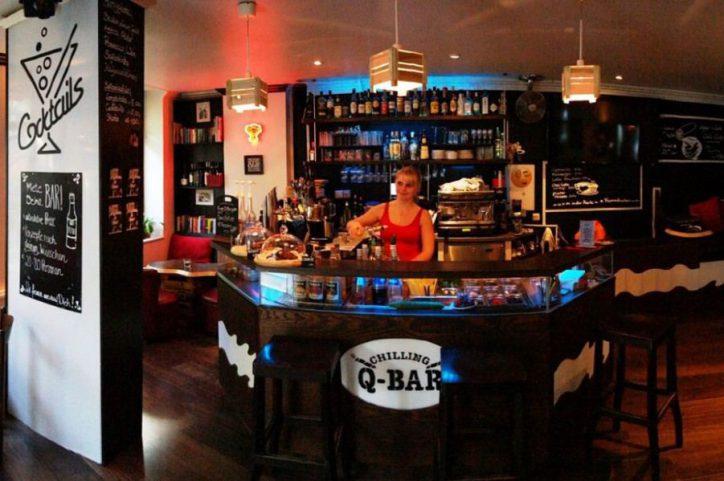Die nächste Release-Party der Eimsbütteler Nachrichten für Print-Magazin Nummer 12 findet in der Chilling Q-Bar statt. Foto: Chilling Q-Bar