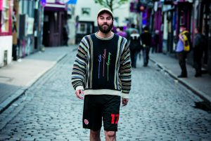 Dominik Bloh hat die Obdachlosigkeit hinter sich gelassen. Foto: Ankerherz Verlag