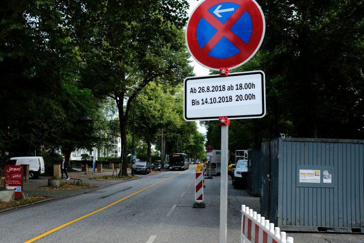 Fahrbahnverengung durch Baustelle in der Rothenbaumchaussee Foto: Max Neumann