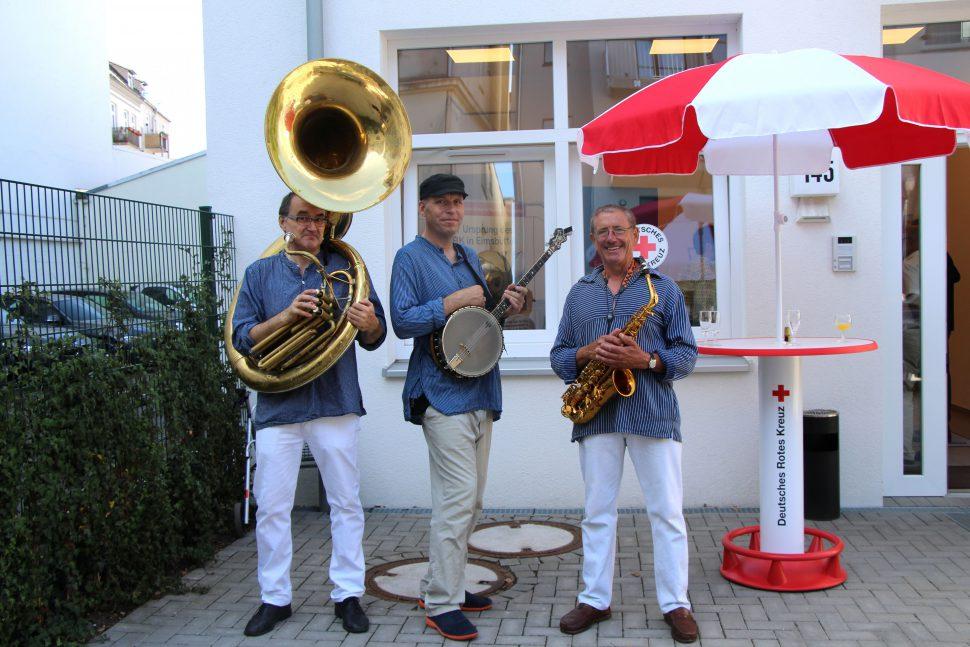Musikalische Untermalung der Eröffnung.