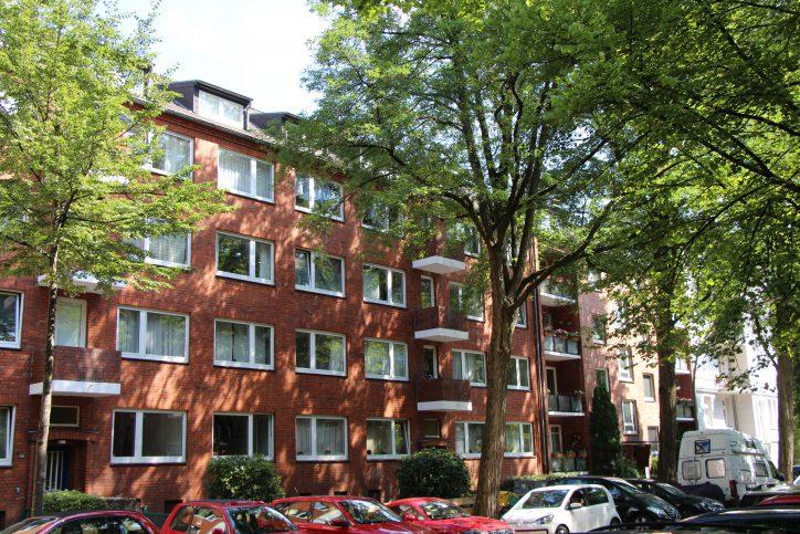 Zwischen den Jugenstilhäusern stehen auch einige Nachkriegsbauten. Foto: Robin Eberhardt