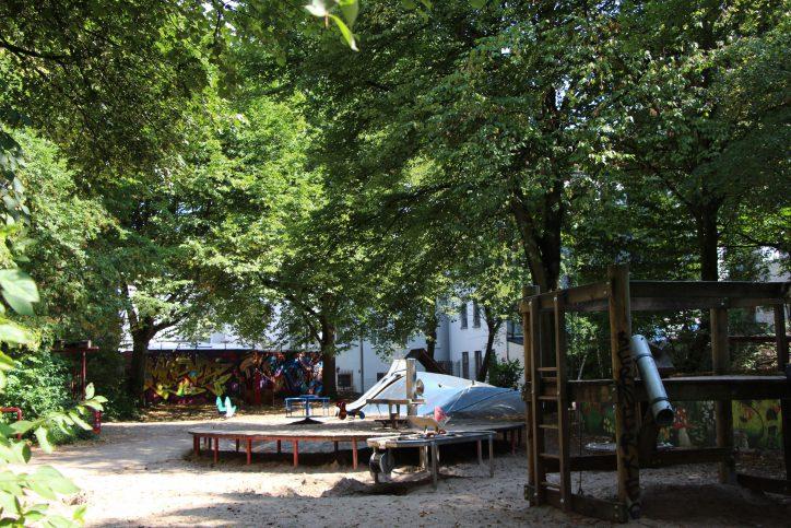 Auch einen Kinderspielplatz gibt es in der Sillemstraße. Foto: Robin Eberhardt