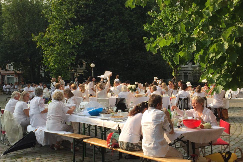 Hamburg Eimsbuettel Weisses Dinner