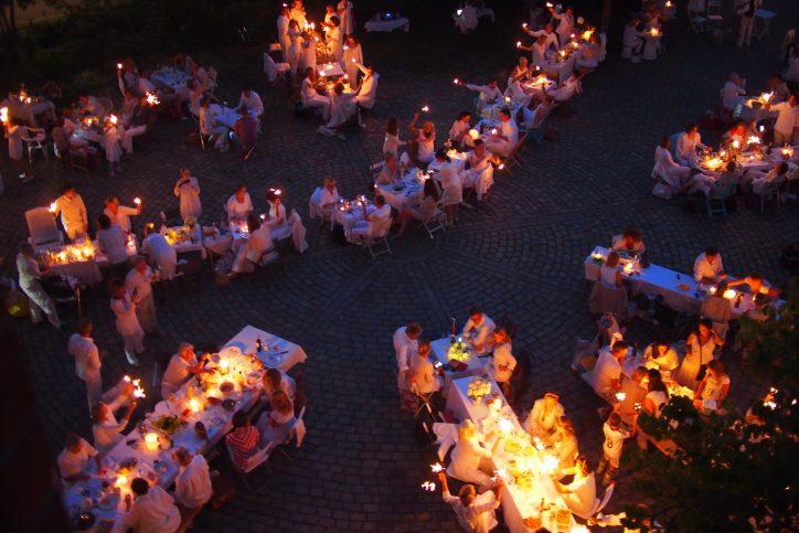 Hamburg Eimsbuettel Weisses Dinner Abendstimmung