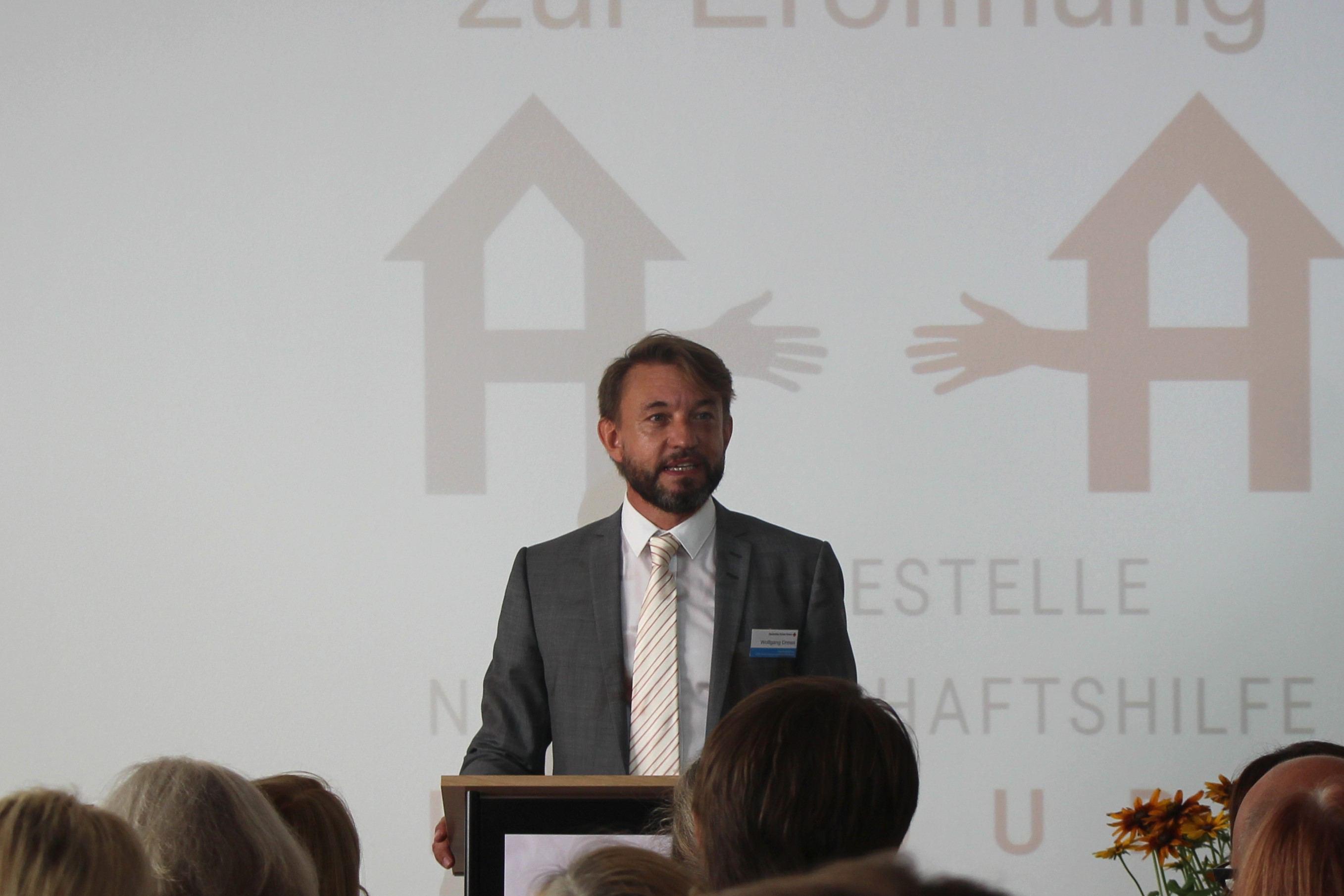 """Wolfgang Drews bei seiner Eröffnungsrede: """"Wir alle tun gut daran, wenn wir uns ehrenamtlich engagieren."""" Foto: Nele Deutschmann"""