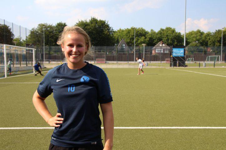 Caya Momm ist in diesem Jahr zu Hamburgs Amateurfußballerin des Jahres nominiert. Foto: Christina Rech