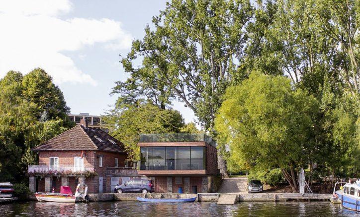 """Das Architektenbüro """"Sibylle Kramer Architekten"""" zeigt einen ersten Entwurf des Wasserrettungszentrums. Foto: SKA SIBYLLE KRAMER ARCHITEKTEN BDA"""