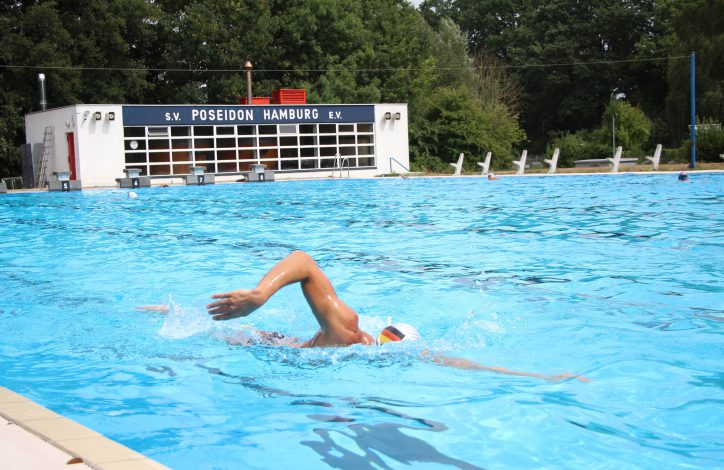 Täglich trainiert Geuer in der Schwimmanlage des SC Poseidon in Eidelstedt, um sich auf seinen Wettkampf vorzubereiten. Foto: Christina Rech