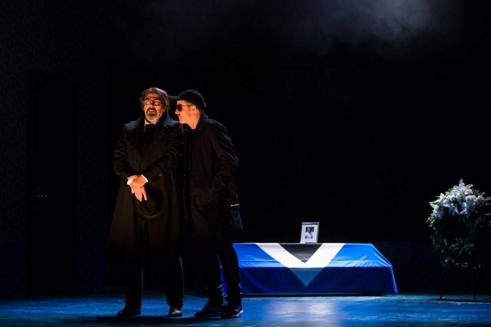 """Das Stück """"Heiß auf 2. Liga"""" kam beim Publikum gut an. Foto: Bo Lahola"""