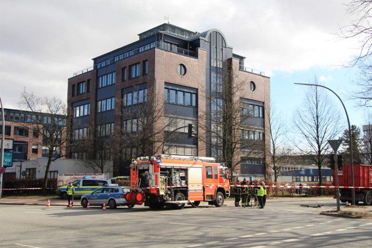Die Rettungskräfte versuchten vergeblich, den Fahrradfahrer wiederzubeleben. Foto: Alicia Wischhusen