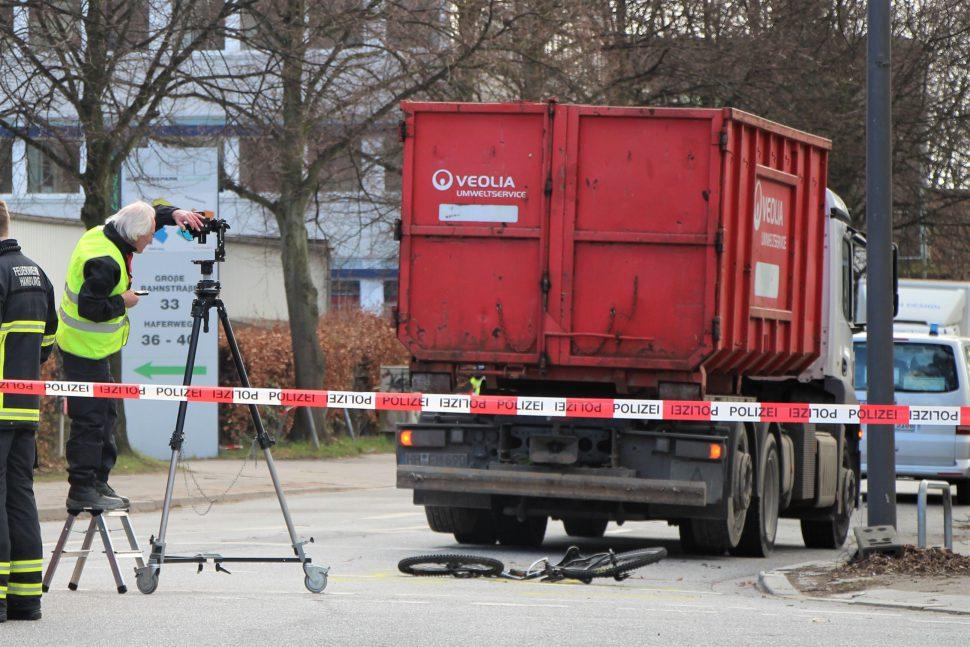 In Stellingen ist ein Radfahrer bei der Kollision mit einem LKW gestorben. Foto: Alicia Wischhusen