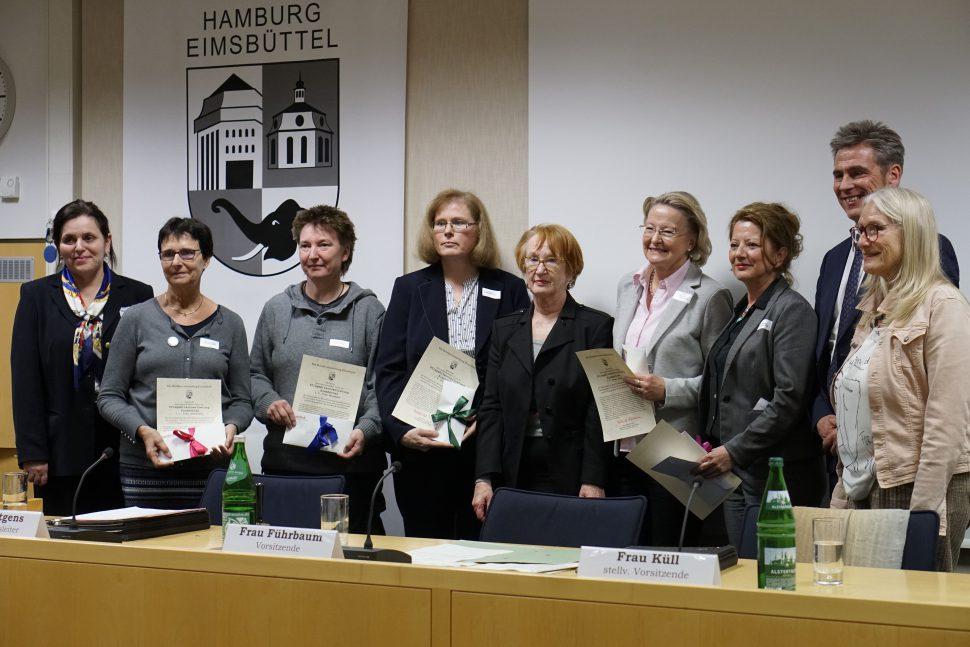 """Die """"Pflegeelternvertretung Eimsbüttel"""" wurde mit dem Eimsbütteler Bürgerpreis 2019 ausgezeichnet. Foto: Catharina Rudschies"""