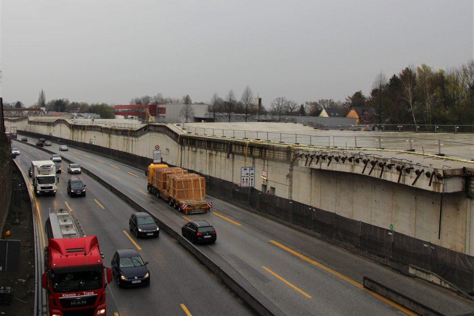 Die erste Tunnelröhre des A7-Deckels geht in Betrieb. Foto: Anna Blumin