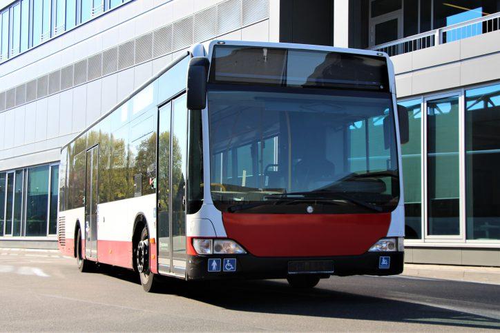 Der Linienbus der Hamburger Hochbahn wird als Duschbus ausgebaut. Foto: Catharina Rudschies