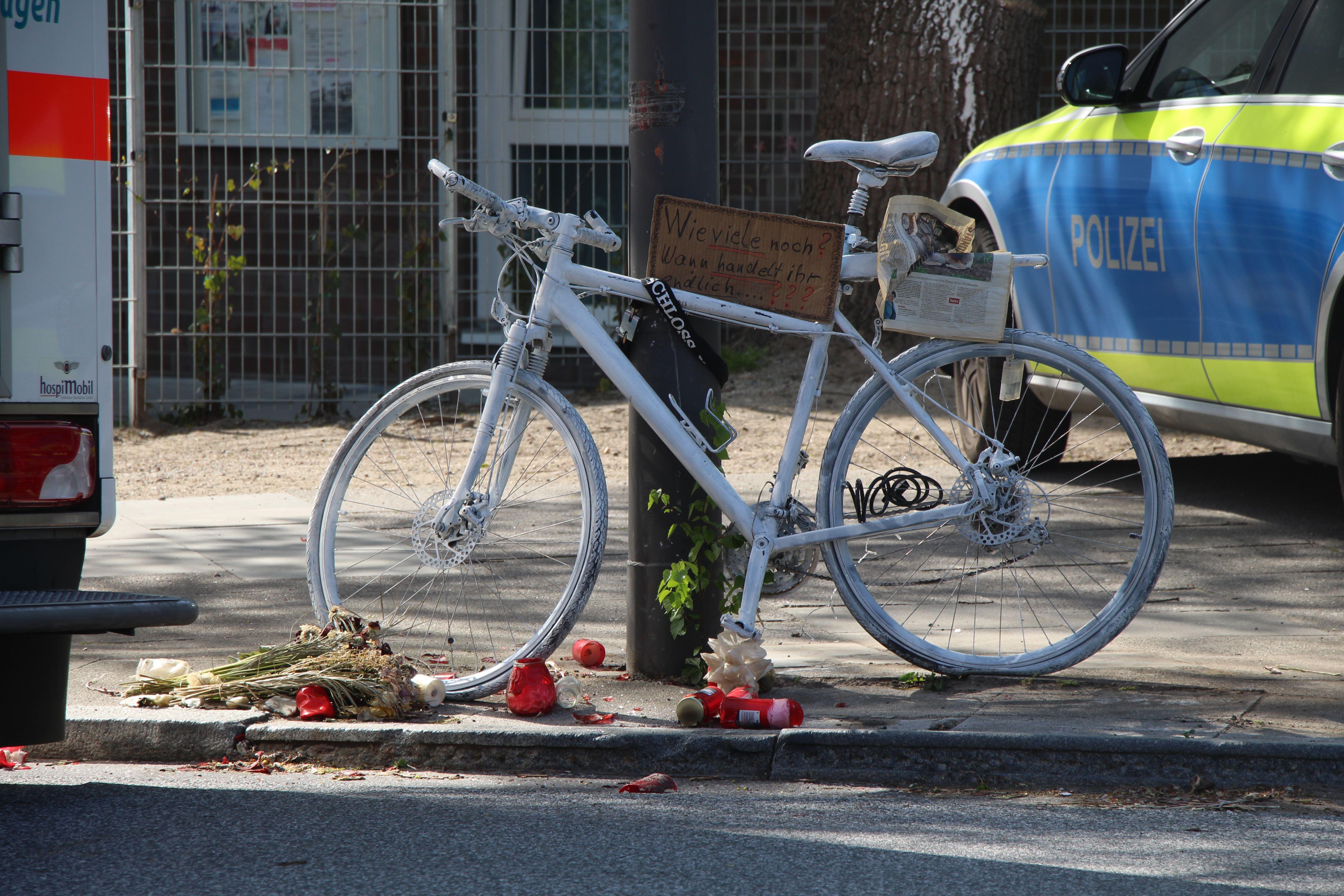 Erneuter Unfall in Stellingen: Radfahrer schwer verletzt